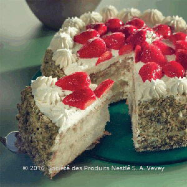 Strawberry Cake with Cream Filling