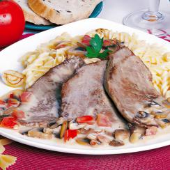 Steak with Mushroom Sauce and Pasta